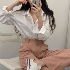 161 images about ˳˚✉️ tiny! ♥︎ on We Heart It Korean Girl Fashion, Korean Fashion Trends, Ulzzang Fashion, Korean Street Fashion, Asian Fashion, Boyish Outfits, Cute Casual Outfits, Pretty Outfits, Simple Outfits