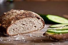 Bramborový kváskový chléb s vlašskými ořechy | KITCHENETTE Cooking Bread, Bread Baking, Bread Recipes, Vegan Recipes, Vegan Food, Russian Recipes, Sourdough Bread, Kitchenette, Pizza Dough