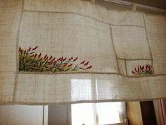삼베로 만든 방문 가리게~~~가지고 있던 삼베를 잘라 가리게 만들어 저희 안방 문에 달았어요~~ 귀찮아 한폭 그대로 달까하다 ..그래도 바느질하는 사람인데....ㅋㅋ조각 조각 바늘... One Stroke Painting, Craft Materials, Rug Hooking, Fabric Panels, Embroidery Art, Tatting, Projects To Try, Cross Stitch, Quilts