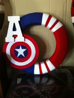 Captain America Avengers 14 Yarn Wreath indoor by BluebirdAndFox