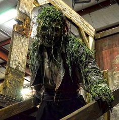 Halloween 2018, Spooky Halloween, Halloween Crafts, Halloween Party, Halloween Ideas, Halloween Costumes, Voodoo Party, Haunted Prison, Swamp Theme