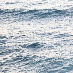 "via Instagram fiofihamburg: ""The sea, once it casts its spell, holds one in its net of wonder forever."" -Jacques Cousteau #water #ocean #sea #waves #float #überwasser #balance #slowliving #slowlifestyle #beslow #emotion #mood #livethemoment #jacquescousteau #slowfashionhamburg #fiofihamburg"