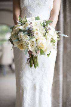 Wedding bouquet inspiration: http://www.stylemepretty.com/2014/09/26/classic-wedding-by-christina-leigh-events/ | Photography: Ely Fair - http://elyfairphotos.com/