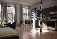 Entire home/apt in Montréal, CA. NYC style loft in the heart of the gay village. Walking distance to old Montreal, downtown, quartier latin and quartier des spectacles Fully equipped studio loft with 12 feet ceilings.
