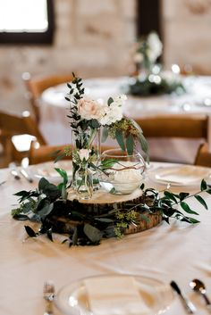 Fantastic Free of Charge boho chic wedding centerpiece Suggestions Buy wedding decor made easy When you organize a wedding , you've to pay attention to the Budget ag Spring Wedding Centerpieces, Boho Wedding Decorations, Rustic Wedding Centerpieces, Centerpiece Ideas, Blush Centerpiece, Jar Centerpieces, Boho Wedding Dress With Sleeves, Blush Pink Weddings, Chic Wedding