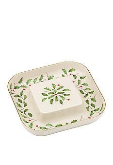 Adorned with the cheerful green holly leaves and bright red holly berries of the Lenox® Holiday™ pattern, this cheese and crackers plate adds a lovely celebratory style to your Christmas gatherings. Lenox Christmas, Christmas China, Christmas Dishes, Pink Christmas, Cheese And Cracker Tray, Royal Tea, Baccarat Crystal, Xmas Dinner, Jingle All The Way