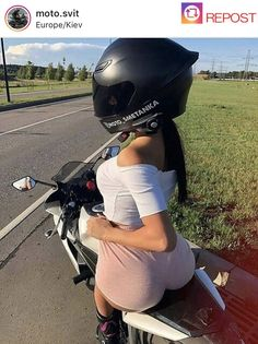 Trucks And Girls, Car Girls, Lady Biker, Biker Girl, Motard Sexy, Scooter Bike, Motorbike Girl, Military Girl, Bike Rider