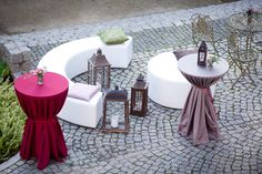 Abundant marsala wedding reception in XVth castle in Uniejow, made by artsize.pl
