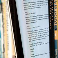 Comparación entre los costos del libro en papel y los costos del libro digital