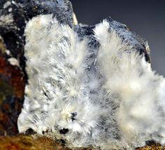 Рапидкрикит Ca2(SO4)(CO3) * 4H2O Jeremias Glück Mine (Fairy Grotto), Garnsdorf, Saalfeld, Thuringia, Germany