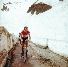Charly Gaul in the 1956 edition of the Giro d'Italia which he won.