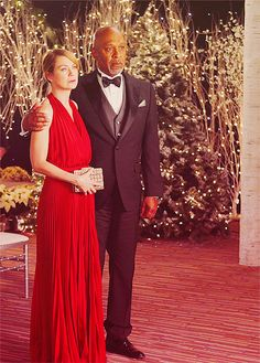 This is from Dr Baileys wedding on Greys Anatomy, I LOVE her Christmas / winter wedding! Grey's Anatomy, Greys Anatomy Bailey, Dark And Twisty, Memorial Hospital, Youre My Person, Meredith Grey, Bridesmaid Dresses, Wedding Dresses, Fifty Shades Of Grey
