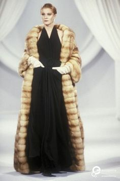 Image from object titled 'Christian Dior, Autumn-Winter Couture' Dior Fashion, Retro Fashion, Vintage Fashion, Vintage Couture, Christian Dior Designer, Christian Dior Vintage, Vintage Fur, Vintage Glamour, Cristian Dior