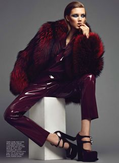 lindsey wixson7 Lindsey Wixson Shines in Flares September Cover Shoot by Max Abadian