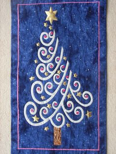 Christmas tree quilt by Jane Hopkins (UK)