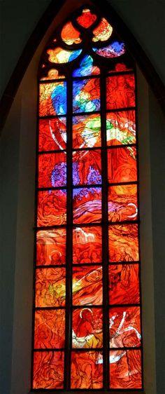 DSC4289 Cochem Pfarrkirche St. Martin koor glas-in-loodraam 240613.jpg…