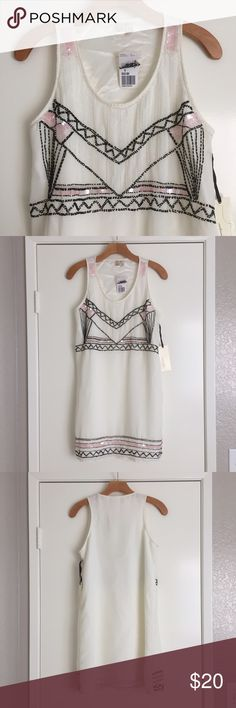 """🆕NWT Beaded Art Deco Shift Dress Stunning """"exclusive design"""" shift dress for Forever 21. Beaded bodice and hem in an Art Deco style with black/white/pink beads. Scoop neck. Fully lined! Chiffon shell/silky lining. 100% polyester. 32"""" shoulder to hem. 36""""@ bust 37""""@waist, 40"""" hem circumference.                              Loose fit, I'm an XS so it's just too big! May fit a M Forever 21 Dresses Mini"""