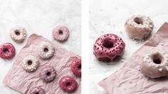 Také jste si zamilovali donuty a nejradši byste je měli krásně čerstvé? My pro vás máme naprosto bezkonkureční recept, díky kterému můžete potěšit sebe, drahou polovičku nebo třeba mlsného sourozence! Doughnut, Donuts, Food, Biscuits, Beignets, Meals, Yemek, Eten