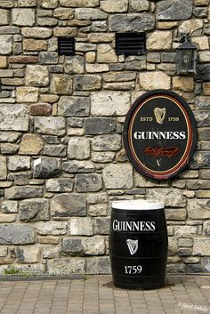 Guinness Irish Pub Decor, Guinness Ireland, Guinness Draught, Irish Cottage, Drink Signs, Beer Coasters, Beer Recipes, Best Beer, Ideas
