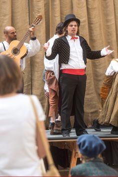 Magnifique et dynamique histoire de la comédie musicale revisitée et racontée par l'Académie internationale des Arts du spectacle dans la cour de VGP qui a fait le plein de spectateurs #MoisMolière