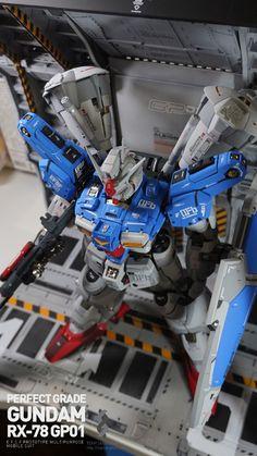 GUNDAM GUY: PG 1/60 RX-78/fb Gundam GP01 + Custom Mechanical Chain Base - Customized Build