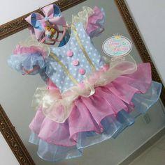 Carousel Cake, Carousel Birthday, Circus Birthday, Circus Party, First Birthday Theme Girl, Baby Birthday, Birthday Girl Pictures, Carnival Birthday Parties, Carnival Themes