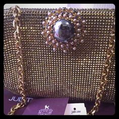Judith Leiber Full beads hand purse Beautiful elegant with chain. With box/tags/bag. I bought it $2350 Judith Leiber Bags