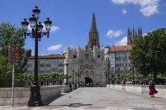 JYLHÄÄ & VANHAA POHJOIS-ESPANJAA – SNmatkakuvaaja Andorra, Spain, Louvre, Santa Maria, Mansions, House Styles, Building, Travel, Arch