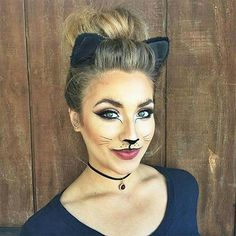 Amazing animal makeup looks that you can easily rock this Halloween . - Amazing animal makeup looks that you can easily rock this Halloween – Black Cat – amazing anima - Easy Halloween Makeup, Chat Halloween, Halloween Looks, Halloween Photos, Black Cat Halloween Costume, Cat Costume Kids, Cat Costume Makeup, Super Easy Halloween Costumes, Black Cat Costumes