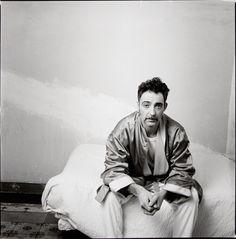 García Alix. Creo recordar que dijo algo así como que en esta fotografía estaba muy hecho polvo. Quise fotografiarme para verme como era.