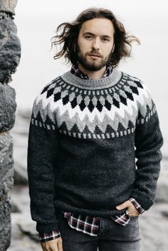 Ravelry: Stickad herrtröja pattern by Arja Viitala Fair Isle Knitting Patterns, Sweater Knitting Patterns, Édredons Cabin Log, Long Sleeve Sweater, Men Sweater, Icelandic Sweaters, Knitted Coat, Pulls, Knit Crochet