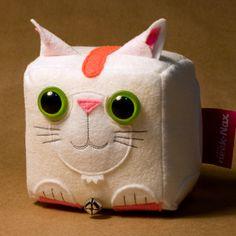 Spanish artist Jorge Ortiz designed CubeCats, a series of limited-edition handmade felt plush art cats.