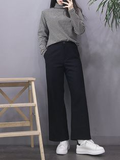 15 black pants casual outfit ideas that perfect for your style page 15 Korean Girl Fashion, Korean Fashion Trends, Korean Street Fashion, Ulzzang Fashion, Korea Fashion, Asian Fashion, Look Fashion, Tokyo Fashion, Fashion Styles