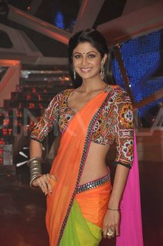 Shilpa Shetty in Neeta Lulla saree Shilpa Shetty Photo, Shilpa Shetty Saree, Sonakshi Sinha, Beautiful Bollywood Actress, Beautiful Indian Actress, Beautiful Saree, Saree Gown, Saree Blouse, Choli Dress