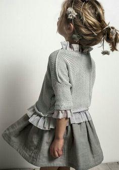 una tienda de moda infantil muy coqueta would like to add a ruffle to one of Livi's sweaters, like this.would like to add a ruffle to one of Livi's sweaters, like this. Fashion Kids, Little Girl Fashion, Trendy Fashion, Spring Fashion, Baby Dress, Dress Up, Mini Vestidos, Stylish Kids, Trendy Kids