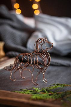 Golden retriever wire sculpture - copper art figurine table decor - Gift ideas - Gift for mother - Gift for husband - Gift for dad