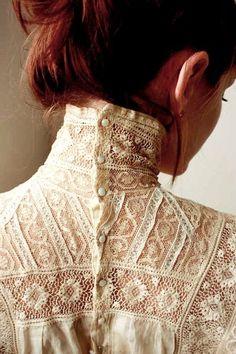 Victorian collar