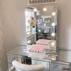 Teen Room Decor, Living Room Decor, Bedroom Decor, Small Room Bedroom, Lighted Vanity Mirror, Mirror Vanity, Mirror Room, Dressing Table Mirror, Dressing Room