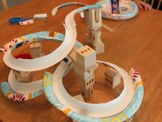 DIY KIds Craft - Make a marble run from paper plates. could use for force and motion Crafts For Boys, Craft Activities For Kids, Projects For Kids, Diy For Kids, Fun Crafts, Family Crafts, Stem Activities, Craft Ideas, Camping Activities