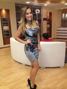 Ecuador, Maria Elisa, My Kind Of Woman, Beautiful Pictures, Two Piece Skirt Set, Bodycon Dress, Legs, Skirts, Beauty
