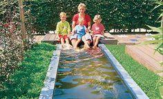Gartenteich: Becken voller Wasser