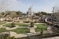 Jennifer Fickley-Baker, gerente de mídias sociais, acaba de publicar no Disney Parks Blog, algumas fotos relacionadas a reforma da área denominada Central Plaza (Central Hub), que fica localizada entre...