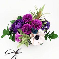 Purple flowers - home decor - anemones - dahlias greenery - crepe paper - template and tutorial - diy book #paperflowers #diypaperflowers from Chantal Larocque (@paperandpeony)