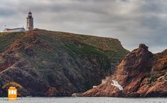Things to do in Peniche – admire the wonderful lighthouse in Berlengas.  #portugal #peniche #berlengas #lighthouse