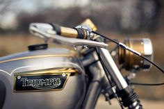 Majestic Machine. Silver Triumph with black and gold detail.