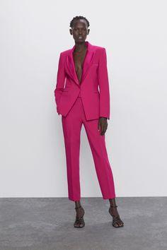 Costume Rose, Mode Costume, Tuxedo Pants, Tuxedo Jacket, Pink Suits Women, Zara Suits, Women's Suits, Modern Suits, Online Zara