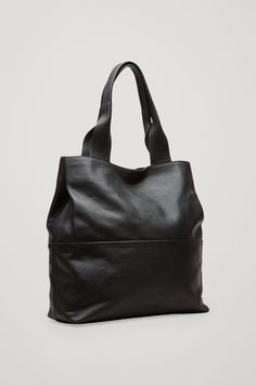 b1186e0660 Bottega Veneta Leather Tote in Black