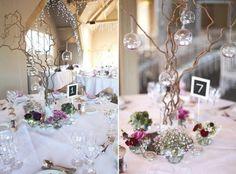 Hochzeit im Winter dekorieren-märchenhafte Tischdekoration und Beleuchtung
