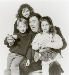 Macaulay Culkin, Gaby Hoffmann, John Candy and Jean Louisa Kelly in Uncle Buck All time favorite movie Larry Wilcox, Love Movie, I Movie, Movie Stars, Great Movies, New Movies, Awesome Movies, Funny Movies, Movies Showing