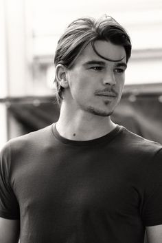 And why Josh Hartnett net worth is so massive? Josh Hartnett net worth is definitely at the very top level among other celebrities, yet why? Penny Terrible, Lucky Number Slevin, Coiffure Hair, Hommes Sexy, Ben Affleck, Gone Girl, Pearl Harbor, Famous Faces, Gorgeous Men